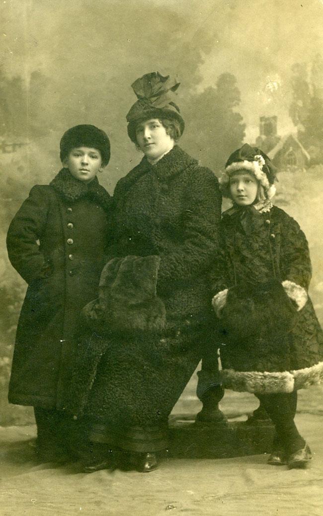 Nina Rauschenbach mit Valentin und Tatjana